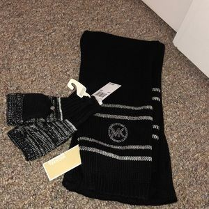 🥳NWT Michael kors winter set 🥳